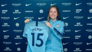 Lauren Hemp joins Manchester City as the new number 15 for the women's team