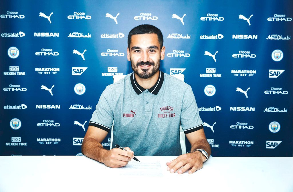 Ilkay Gundogan signs his new contract