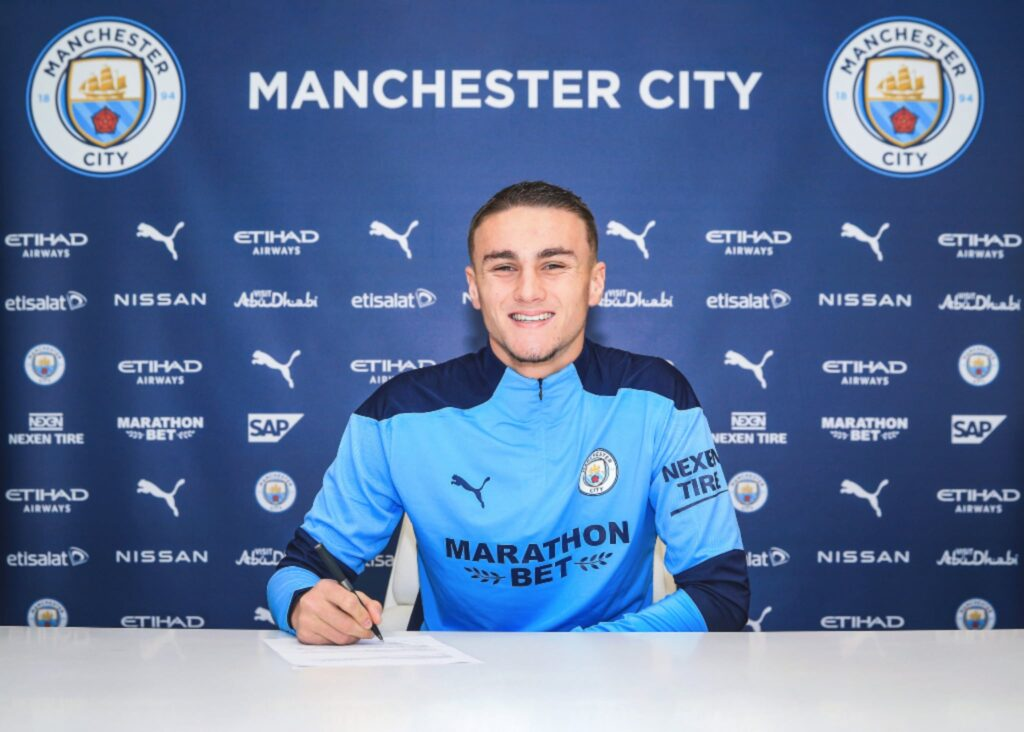 Taylor Harwood-Bellis signs new contract extension with Manchester City until 2024
