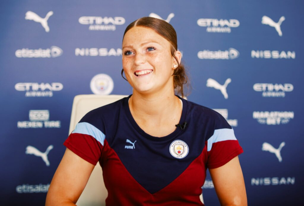 Ruby Mace signs for Manchester City Women